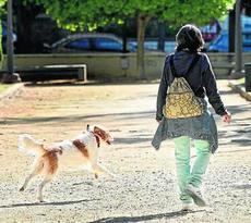 mujer_con_perro
